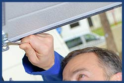 Golden Garage Door Service Cudahy, WI 414-937-5106